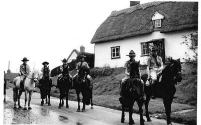 Mounted scouts in Bartlow road